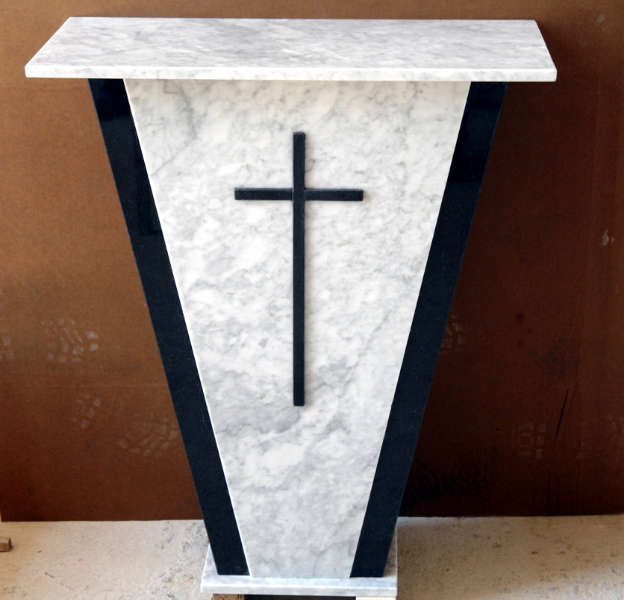 altare-marmo_-carrara-naero_-assoluto